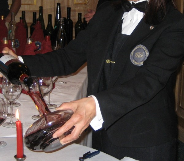 decantazione sommelier